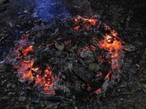 即將燃燒完成的陶器